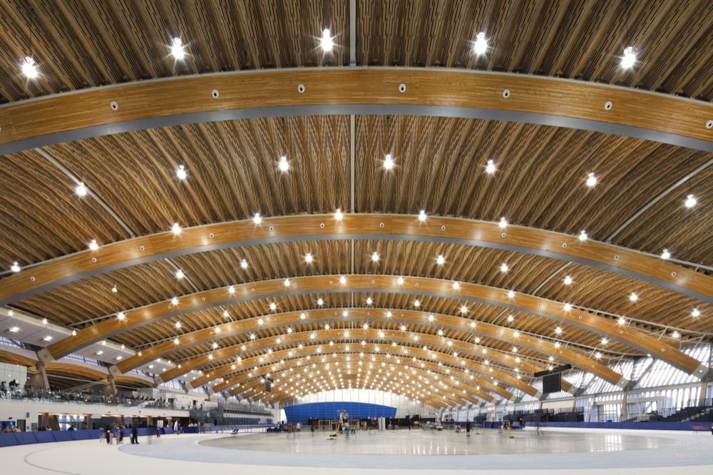 نمای چوبی سالن ورزشی